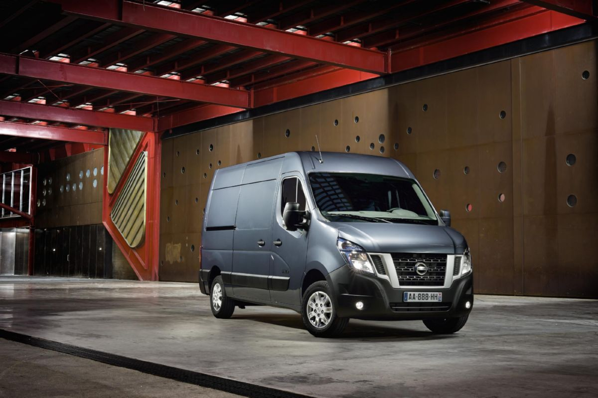 نيسان 400 - أعلى 2015 Nissan Nv400 Adds New Engines & Tech Autoevolution لأفضل زفاف