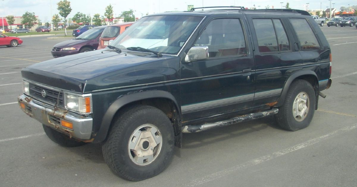 نيسان 95 - أعلى File-'93 '95 Nissan Pathfinder.jpg Wikimedia Commons نموذج
