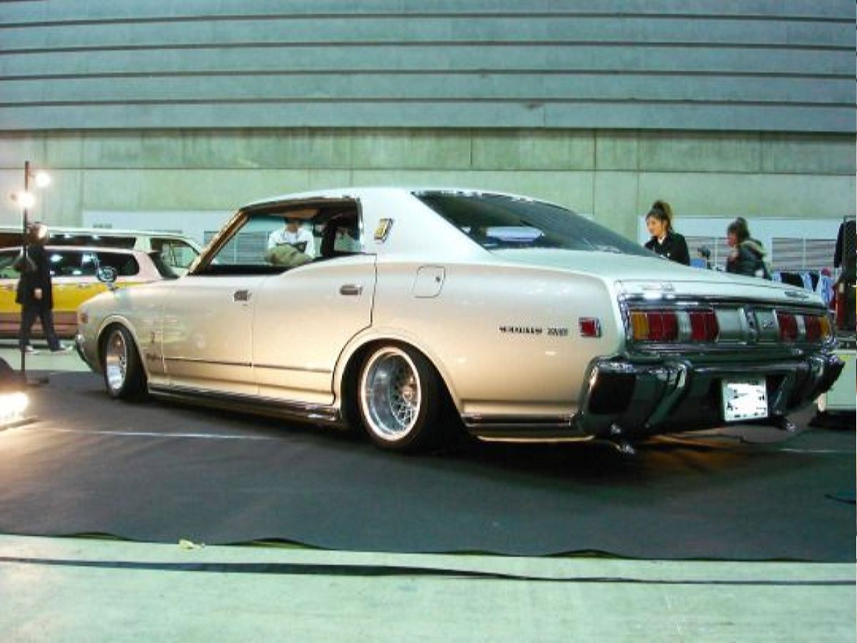 نيسان 76 - أعلى 76′ Nissan Cedric Coupe Nissan Pinterest Nissan, Coupe And تصميم